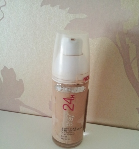 Maybelline Superstay 24hr in 010 Ivory